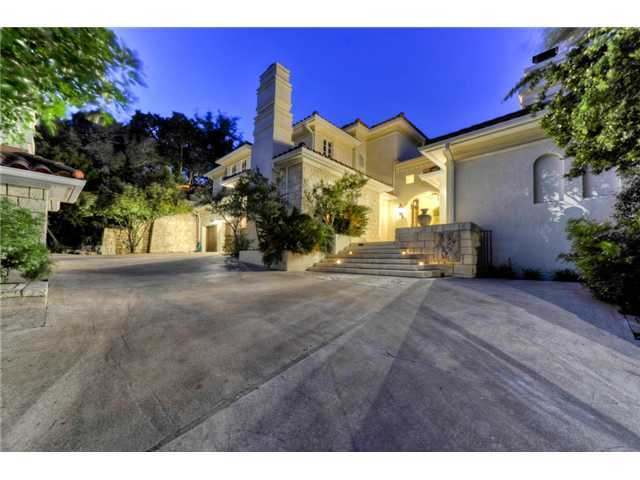 The Idyllic Setting Of This Very Private, Gated Luxury Lake Austin Home Is  Absolutely Amazing. Large Trees, Water Features, Zen Gardens Enhance The ...